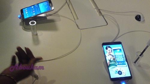 Crédit photo Abukm - Stande d'exposition Samsung