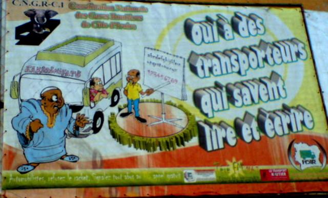 Slogan du centre d'alphabétisation des transporteurs à la gare routière d'Adjamé (Abidjan)